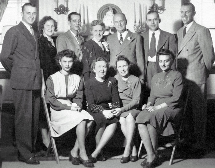 "Alderman,  John Bradford, Sr. (1917-2000) & Gladys Grace Alderman Stubbs (1910-1969) & John Melvin �Mel� Stubbs (1908-1989) &  Grace �Eugenia� Barr  Alderman (1877-1956) &  James Madison ""JM"" Alderman, Sr. (1870-1958) &  Adon McCance Jeffrey (1914-1998) &  James Madison (twin) Alderman, Jr. (1913-2004) & Ardis  �Voy� Carr Alderman &  Geneva DeEtte Alderman  Losch (1899-1975) & Eugenia Margretta (twin) Alderman Jeffrey (1913-2003) &  Helen Marie Cilek Alderman (1910-1973)"