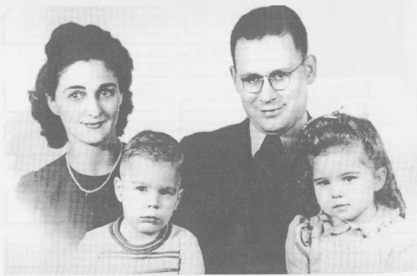 "Coatney, William Edward ""Ted"" (1911-1995) & Vivian Hazel ""Viv"" ""Vivy"" ""Meine Oma"" Portsche (d. 1997) & Edward Paul Coatney & Sarajane Coatney"